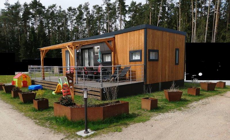 """""""ANTONIA"""" Ferienhaus Bungalow Chalet am Murner See (Bayern, Oberpfalz, Seenland), holiday rental in Zeitlarn"""