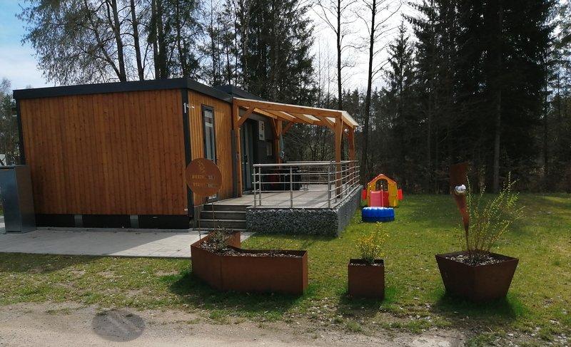 """""""SUNNIVA"""" Ferienhaus Bungalow Chalet am Murner See (Bayern, Oberpfalz, Seenland), holiday rental in Zeitlarn"""