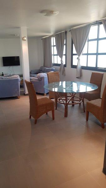 Grand appartement Penthouse, lumineux, vue sur mer ,pratique, sur 240m2, alquiler de vacaciones en Región de Dakar