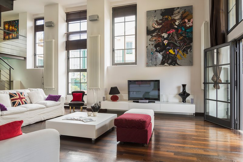 A gourgeous fully furnished loft to rent in Milan.A great house with patio, to enjoy a pleasant stay