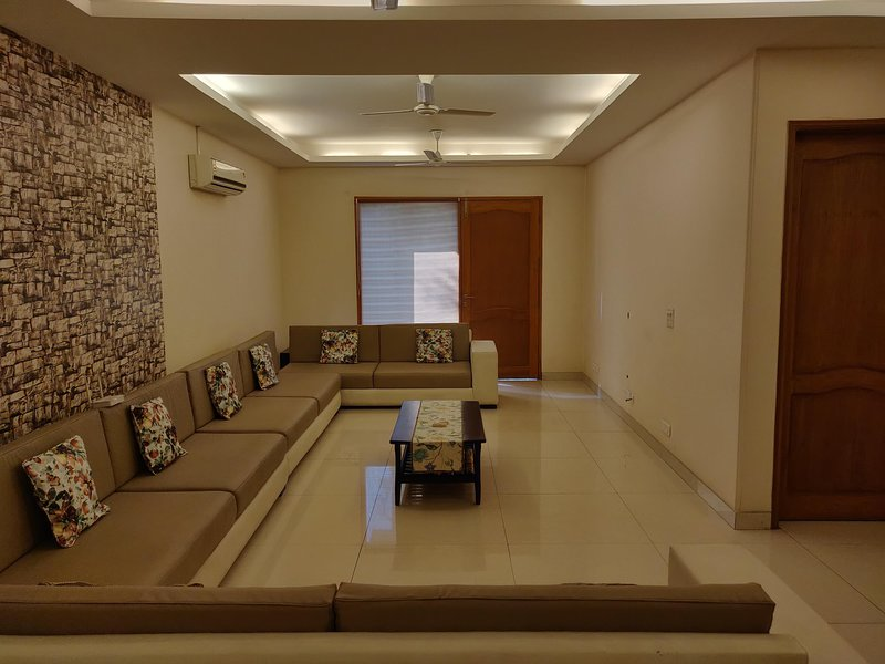 Sam's Bed & Breakfast, vacation rental in Gurugram (Gurgaon)