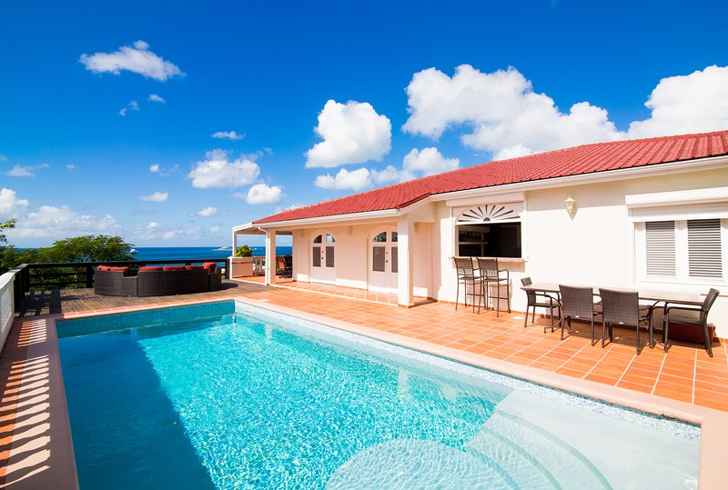 PROVENCE... Affordable villa, gorgeous views, close to dining, shopping, casinos, holiday rental in Sint Maarten