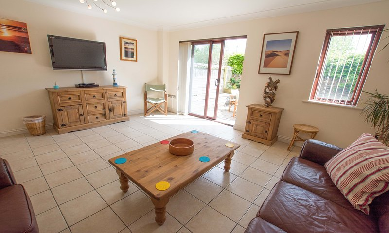 Oyster Cottage Braunton | Sleeps 6 | Dog Friendly, holiday rental in Braunton