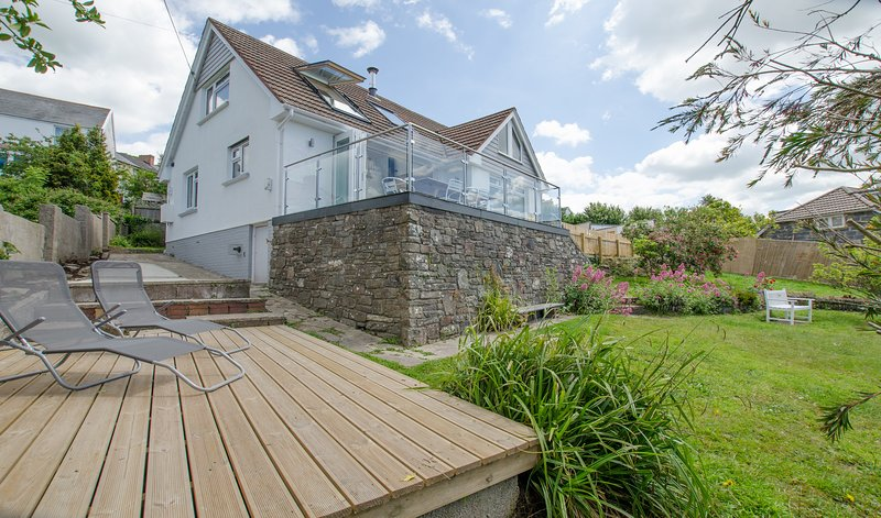 Rooftops Braunton | 4 Bed / Sleeps 8 | Beautiful Views, holiday rental in Braunton