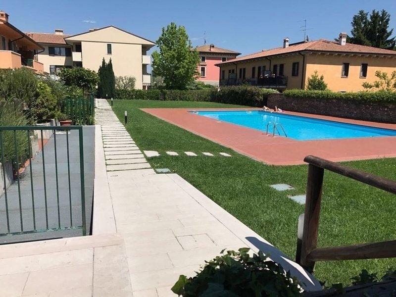 Charming 3 bedroom Villa in Calmasino, Ferienwohnung in Domegliara