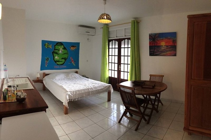 Nice studio near the beach & Wifi, vacation rental in Marie-Galante