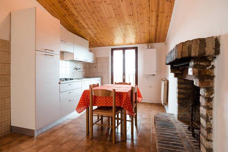 Beautiful apartment in Urbino, aluguéis de temporada em Cantiano