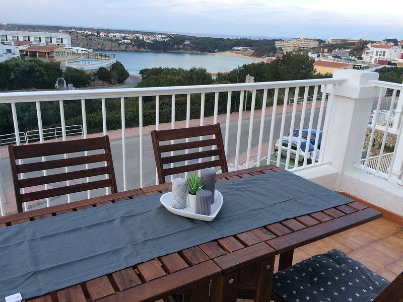 Junto a la playa, fantásticas vistas y piscina en Arenal d´en Castell,Menorca, holiday rental in Cala d'Alcaufar