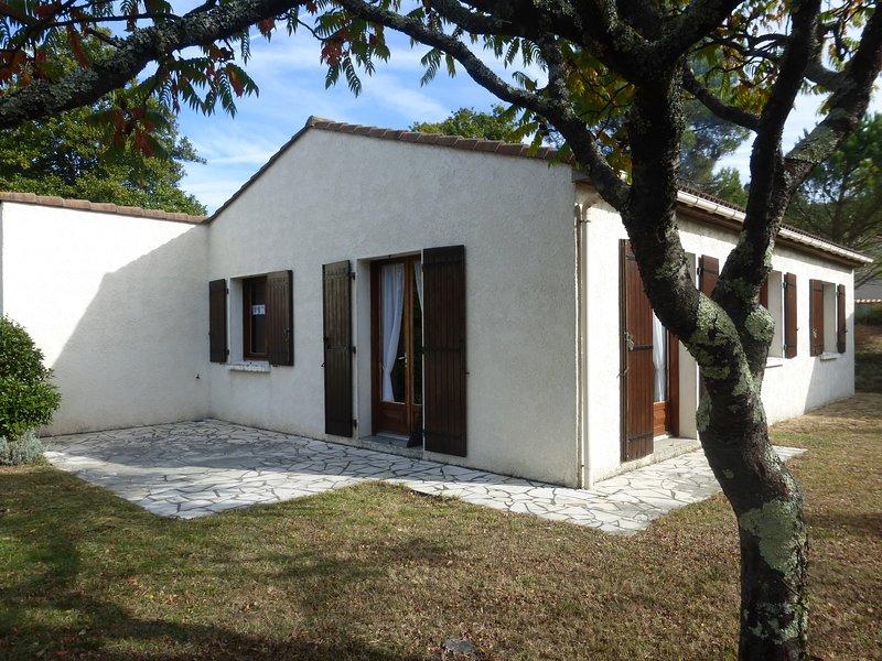 villa tout confort 8 personnes, holiday rental in La Palmyre-Les Mathes