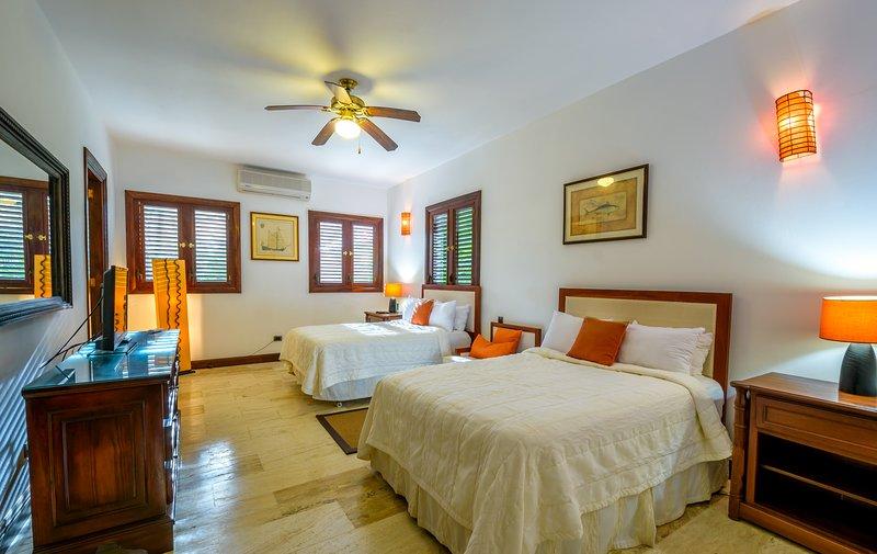 Villa Caribeña, playa y golf, vacation rental in Altos Dechavon