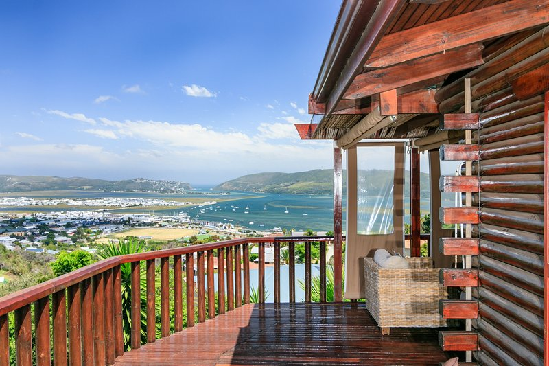 Knysna Lodge Self Catering Accommodation (Entire Holiday House, sleeps 2 - 8), casa vacanza a Knysna