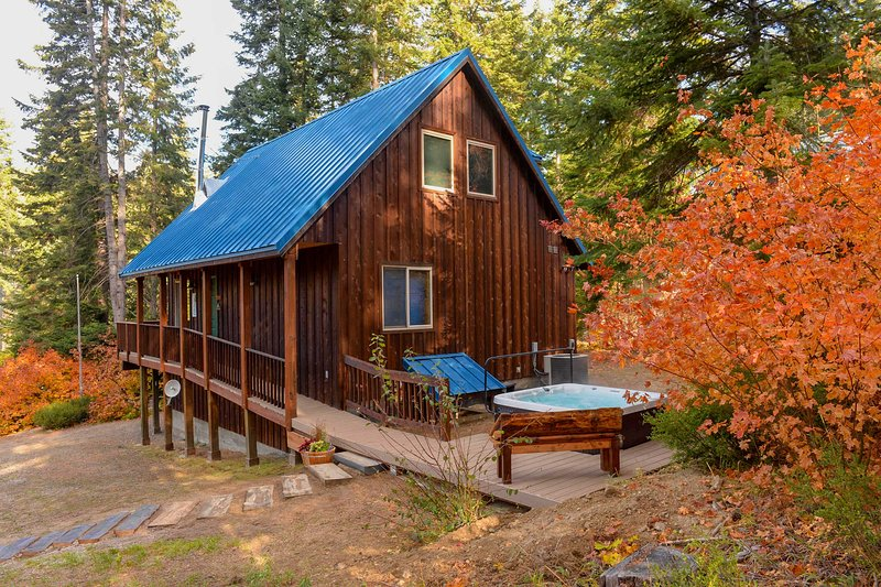 Lovely Leavenworth Cabin w/Hot Tub-Ideally Located, holiday rental in Coles Corner