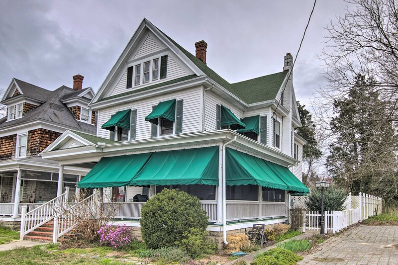 Cambridge Colonial Home, Walk to Town & Waterfront, vakantiewoning in Easton