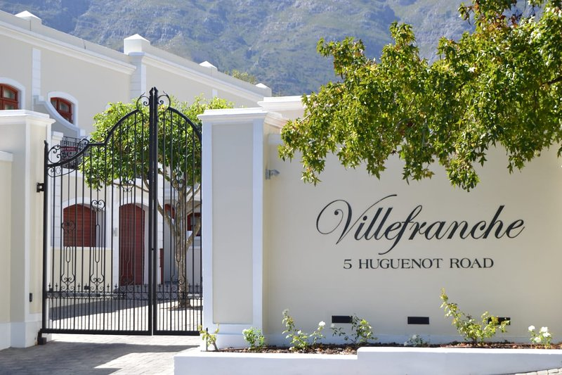 Villefranche No.2 - Luxury Townhouse in the heart of the town, alquiler de vacaciones en Franschhoek