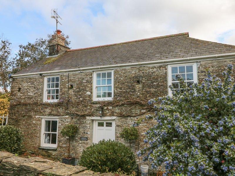CARDWEN FARMHOUSE, WiFi, 4 bedrooms, Looe, holiday rental in Pelynt