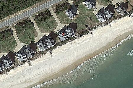 Aerial view of 4276 Island Drive