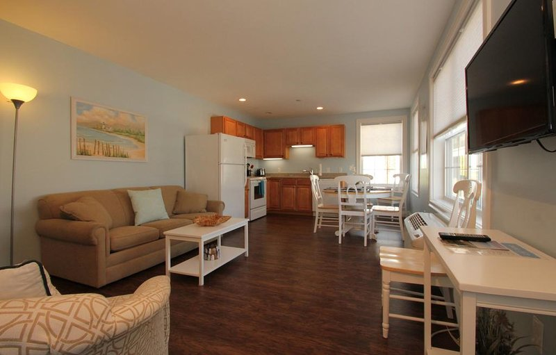 Sand Piper Suite 3 - ATLANTIC OCEAN SUITES, holiday rental in Prouts Neck