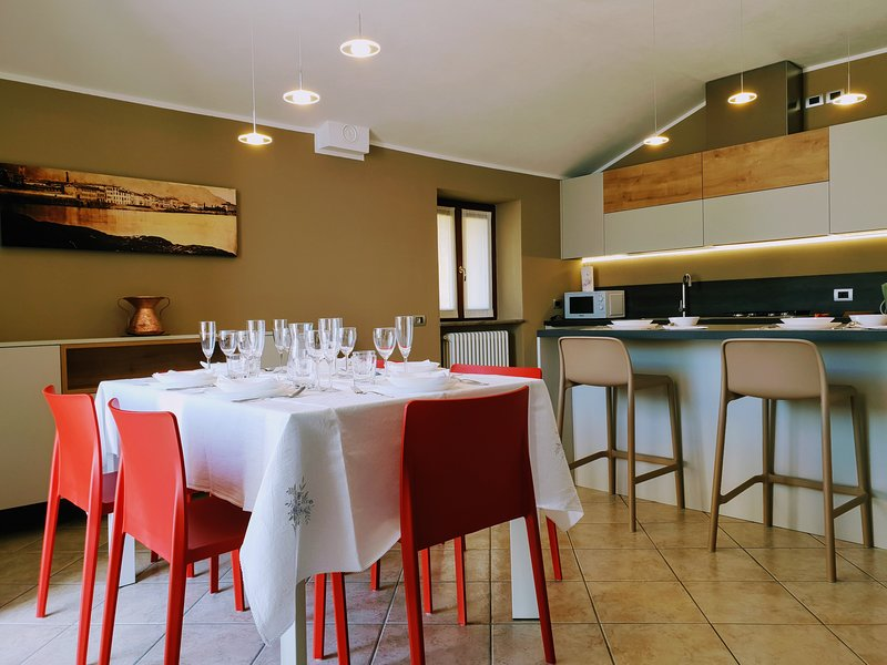Villa Vista Lago - Luxury Apartment Como Lake - Bellano, holiday rental in Bellano