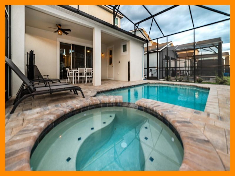Solara Resort 30 - Modern villa with private pool and spillover tub near Disney, holiday rental in Buena Ventura Lakes