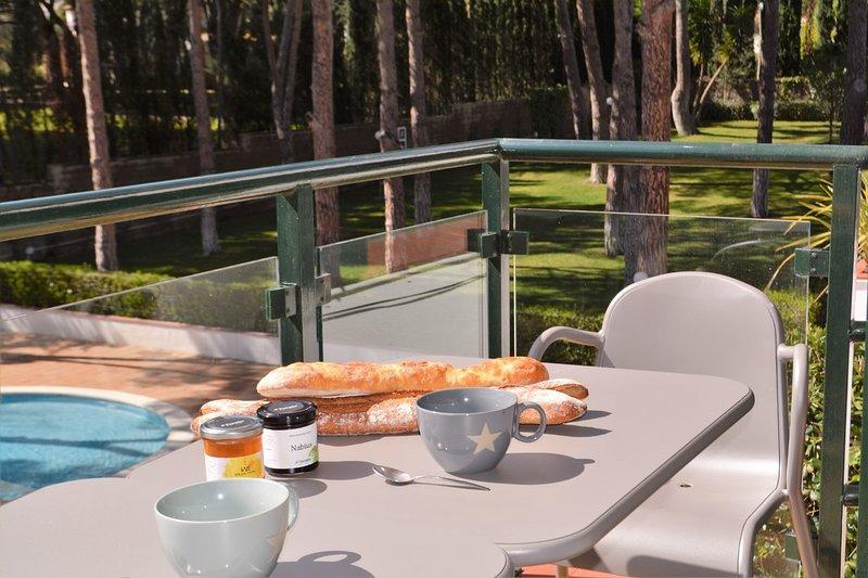 Apartamento con piscina Calella de Palafrugell, vacation rental in Calella de Palafrugell