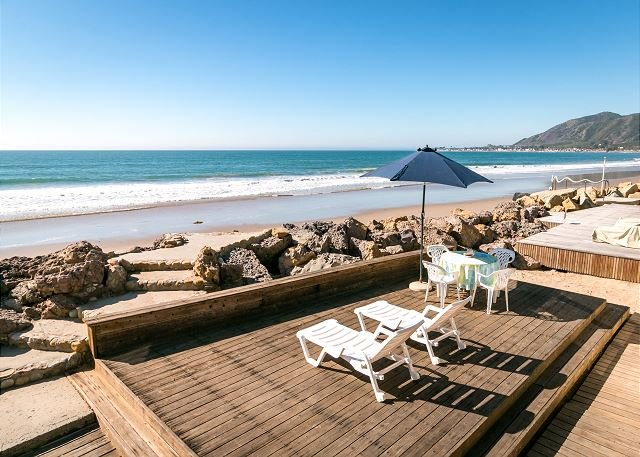 Beachfront Updated Home w/ Dazzling Ocean Views & Huge Patio!, vacation rental in Ventura