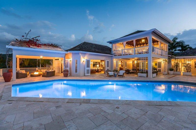 Luxury Beach Resort! Gym! Tennis! Golf! Pool! Fully Staffed! Annabelle, holiday rental in Hanover Parish