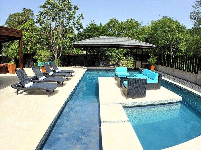 Modern Villa, Swimming Pool, Walk to beach in 5 minutes, Staff- Cool ...