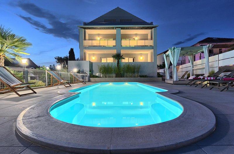 Villa Anadi - Quiet Place With Pool, aluguéis de temporada em Okrug Donji