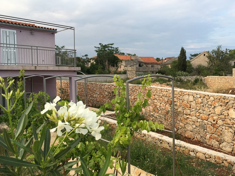 2 Bedroom House in Old Stone Village Hvar Island, vacation rental in Stari Grad
