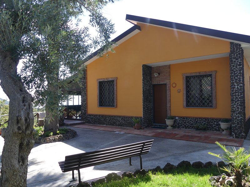 Etna Family Holiday Home, holiday rental in Adrano