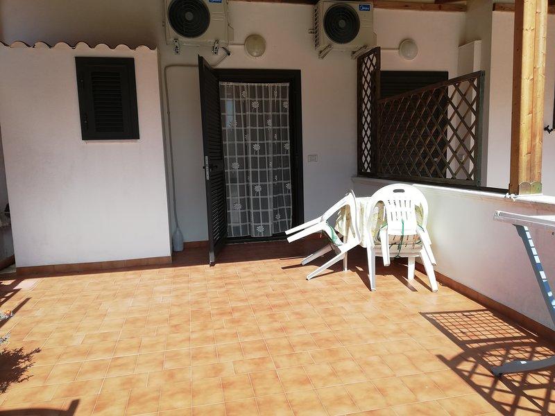 Appartamento mono-Valle degli ulivi nel verde a pochi minuti dal mare 2, casa vacanza a Chiesiola
