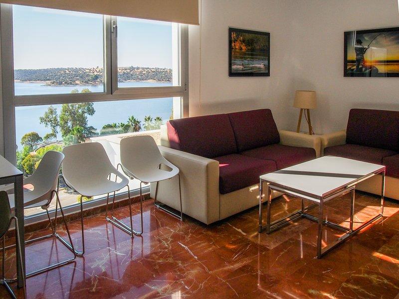 Apartamentos Turísticos Embalse de Orellana, holiday rental in Province of Badajoz