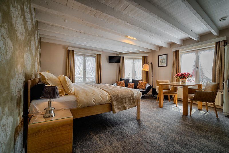 B&B Bariseele Suite with a View **** (35m2, airco, parking, breakfast), holiday rental in Sint Andries