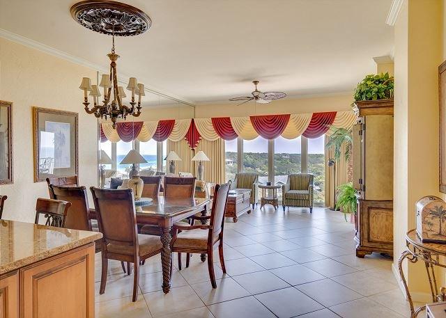 Stunning Gulf Front Condo!  FREE Golf & Parasailing!, vacation rental in Miramar Beach