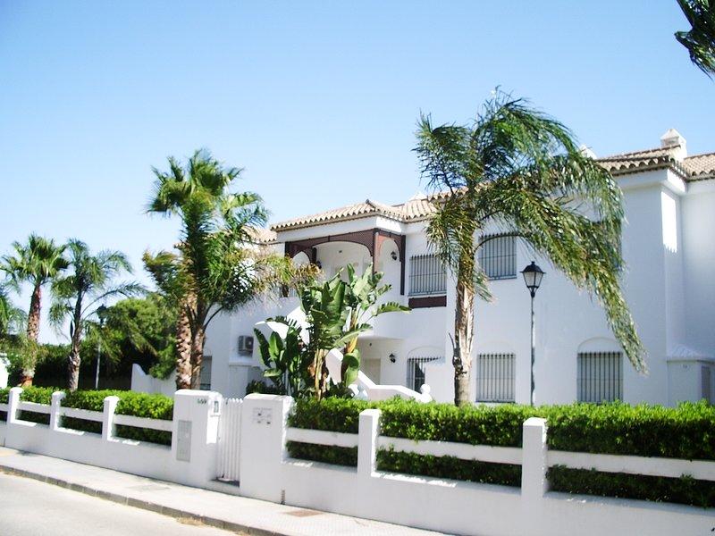 Apartamento tres dormitorios en La Barrosa, alquiler de vacaciones en Novo Sancti Petri