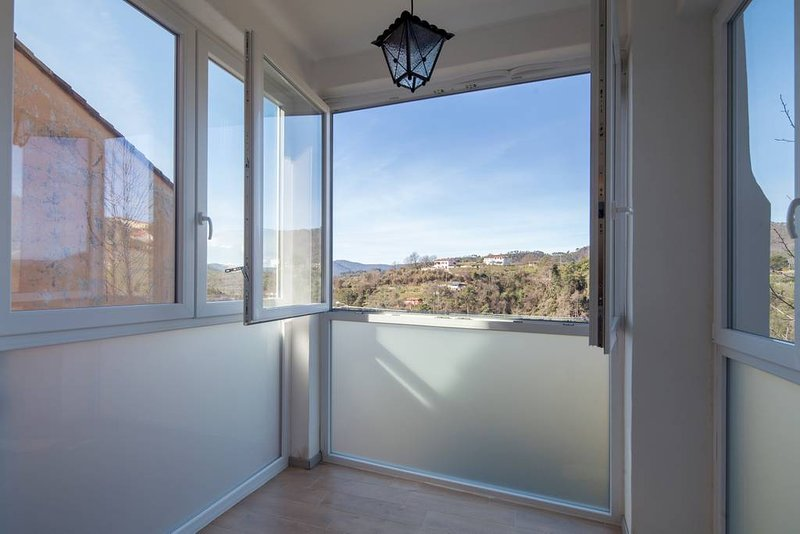 5 steps outside 5 terre.. Casa sterinella!, vakantiewoning in Follo