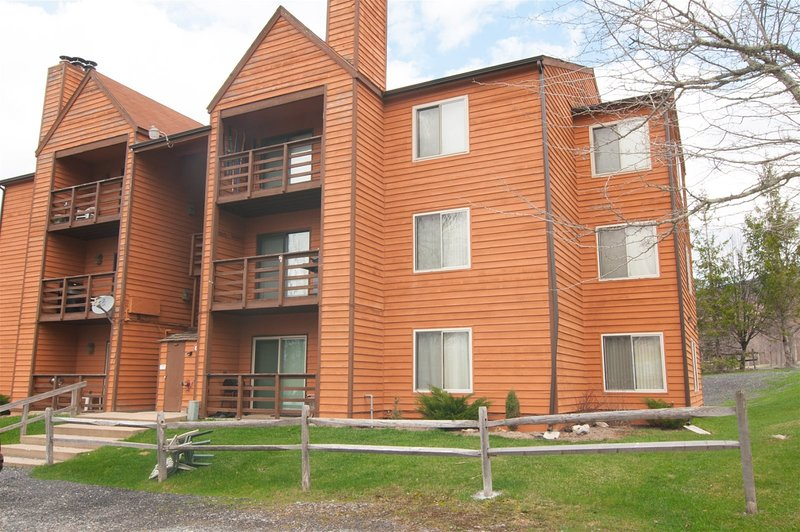 Herzwoods D102  Herzwoods D102 - Located at the Base of Timberline Mountain. Ope, holiday rental in Davis