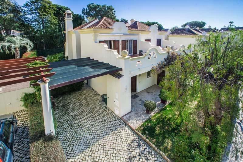 Quinta do Lago Villa Sleeps 4 with Pool Air Con and WiFi - 5783518, alquiler vacacional en Gambelas