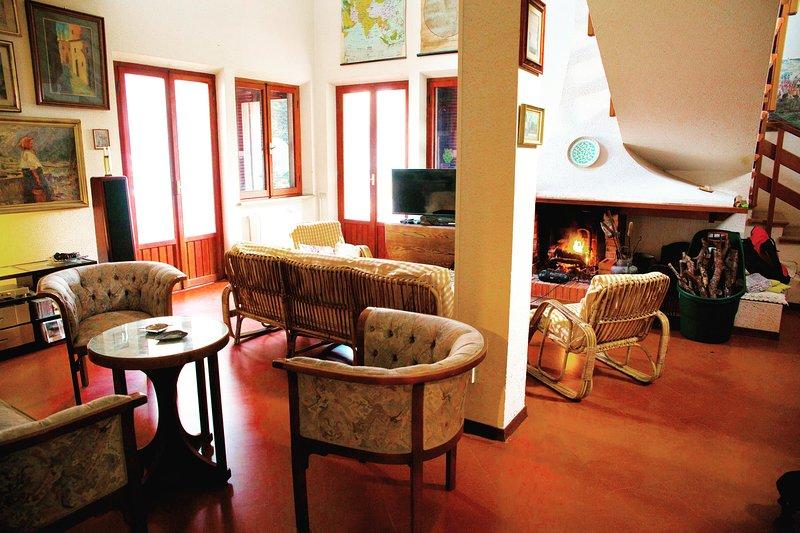 Prestigious luxury villa near beach overlooking the sea, panoramic sea views, holiday rental in Massignano