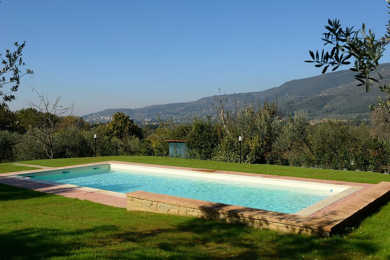 The views from the garden an pool of the peaceful valley of Chio