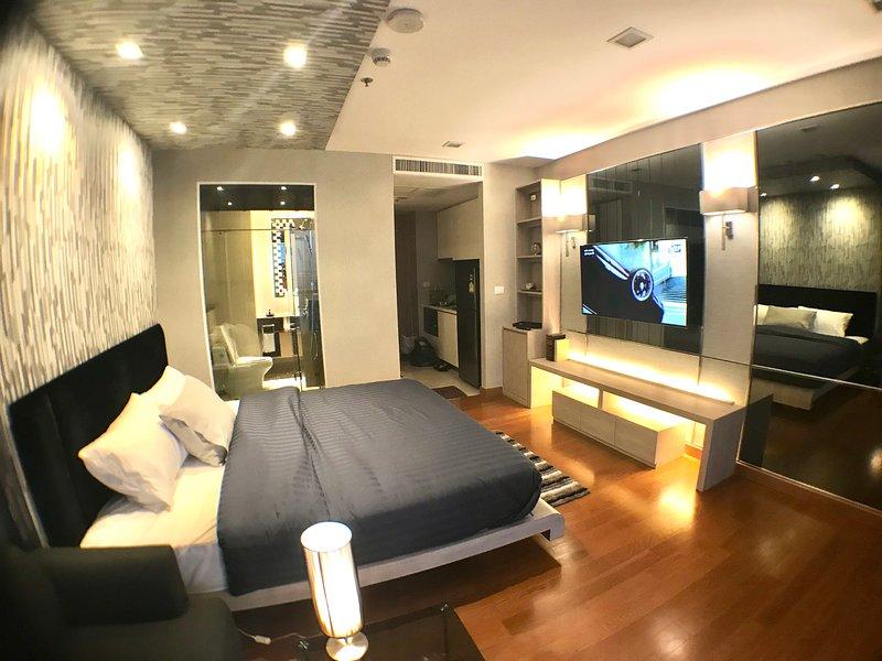 Luxury Apartment on Private Beachfront Pattaya!, casa vacanza a Tha Thaewawong