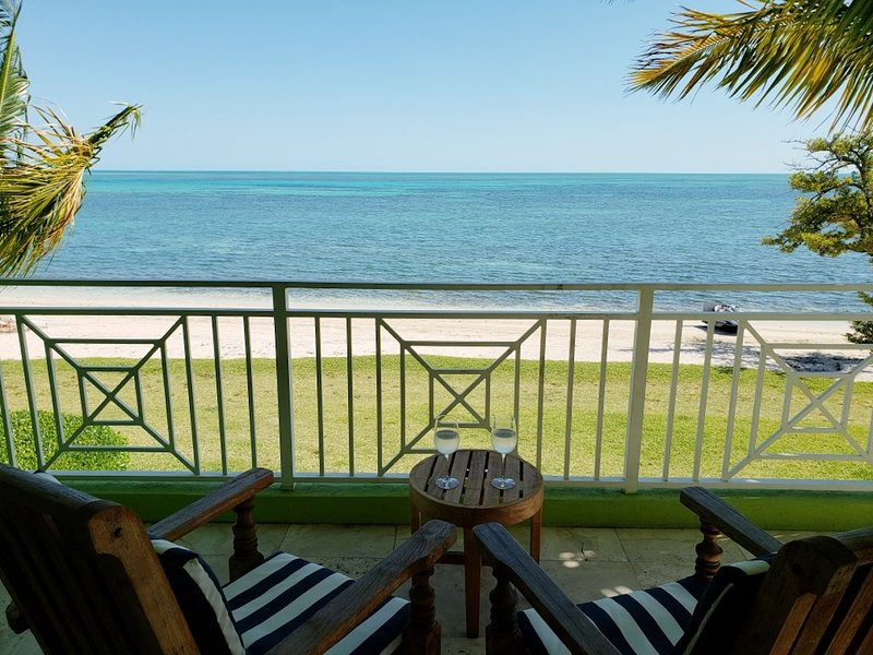 NEW: Amazing Waterfront Studio At Old Bahama Bay, holiday rental in West End