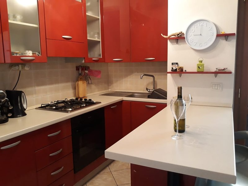 3 Bed Apt Pizzo Vibo Valentia Calabria, Southern Italy, holiday rental in Arena