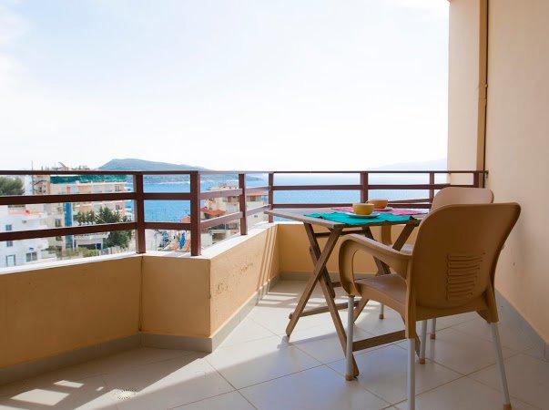 Layos Seaview Apartment, holiday rental in Saranda