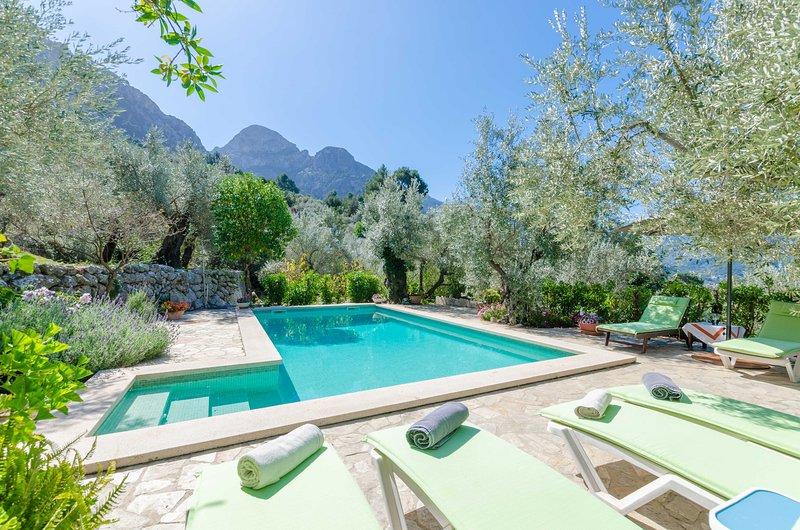 S'OLIVARET - Villa for 6 people in FORNALUTX, holiday rental in Sa Calobra