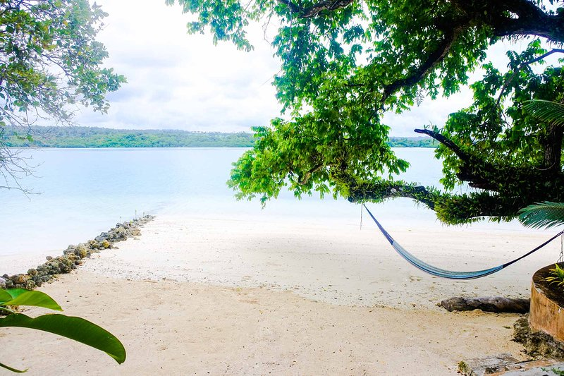 Santo Sunset Beach Bungalows- 'Banya on Surunda Bay' Absolute beachfront access, holiday rental in Vanuatu
