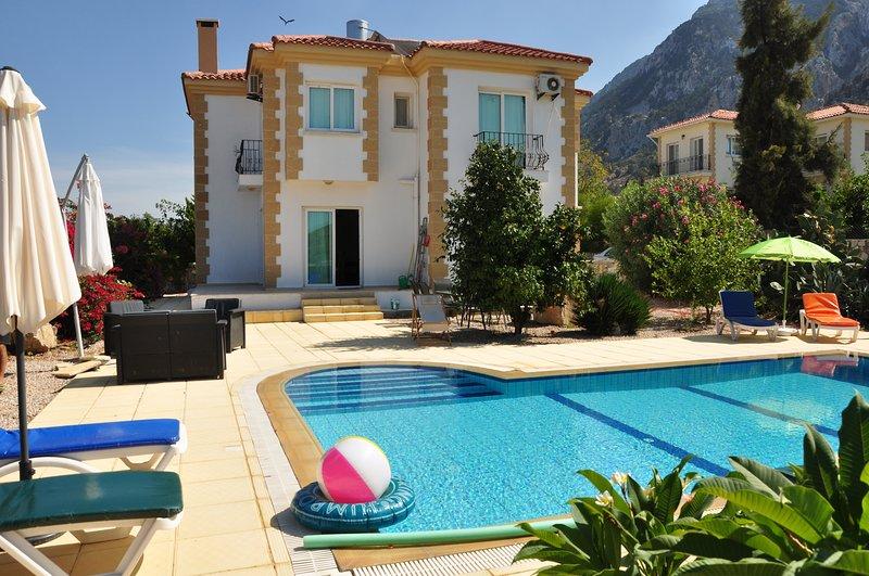 Sunset Villa, holiday rental in Kormakitis