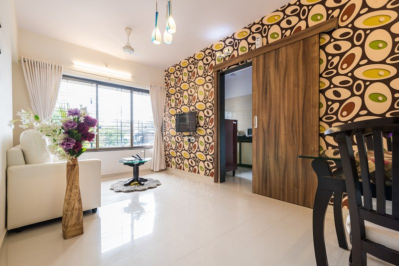 Stylish & cozy 1 bedroom apartment, vacation rental in Mumbai