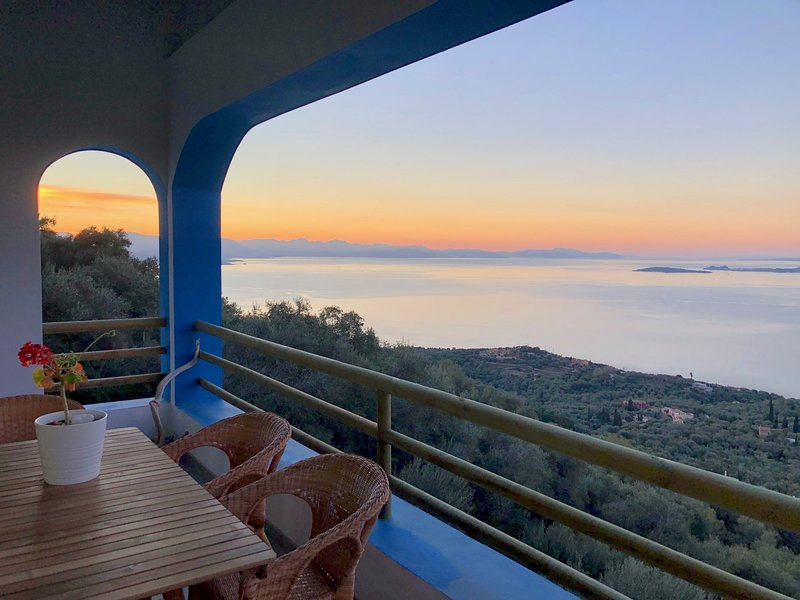 House Teigan, Spectacular Sea Views, Private and Peaceful on the Corfiot Riviera, vacation rental in Pyrgi