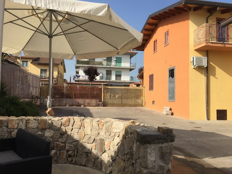 Le Officine Apartments - Ponente, vacation rental in Spigno Saturnia